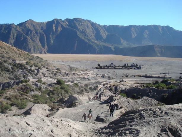 view dari puncak Bromo