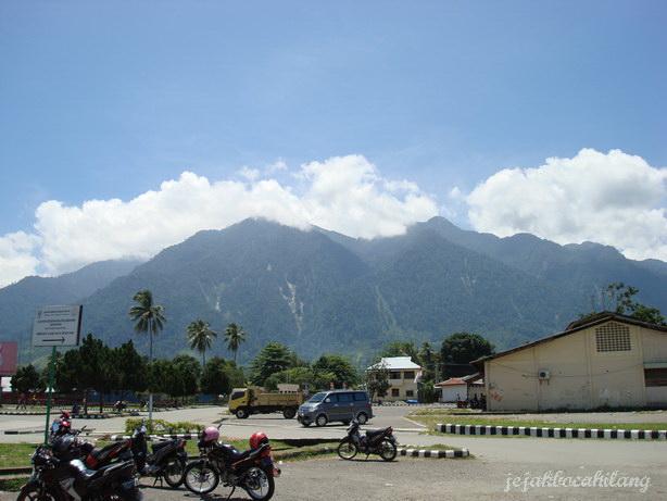 view Gunung Ifar dari airport Sentani