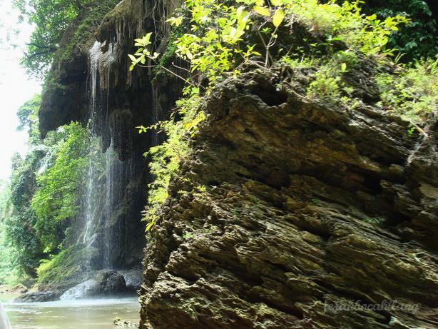 salah satu air terjun kecil di Green Canyon