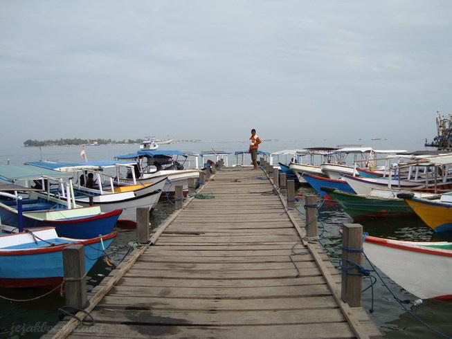 pelabuhan menuju Pulau Khayangan