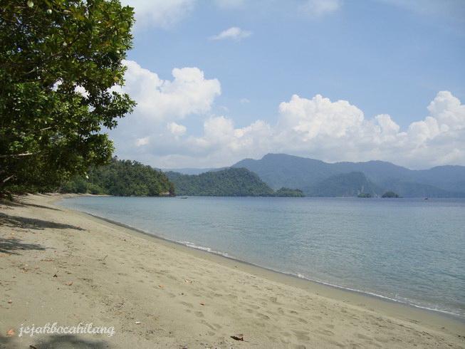 view Pantai Amai