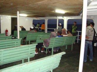 Ferry dari Poto tano, Sumbawa menuju ke Kayangan, Lombok Timur