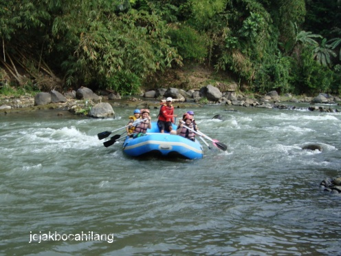 rafting di Sungai Elo