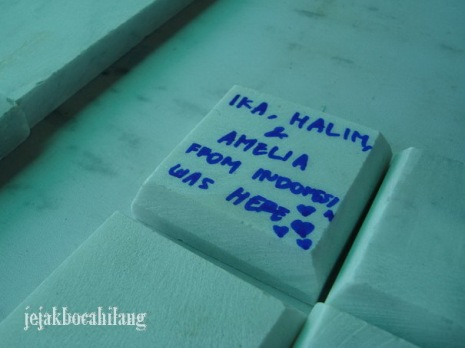 white marble yang bisa ditulis kata-kata