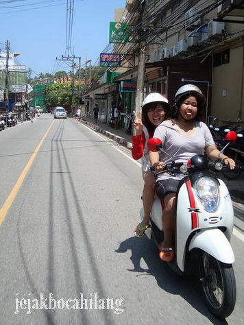 scooter girls