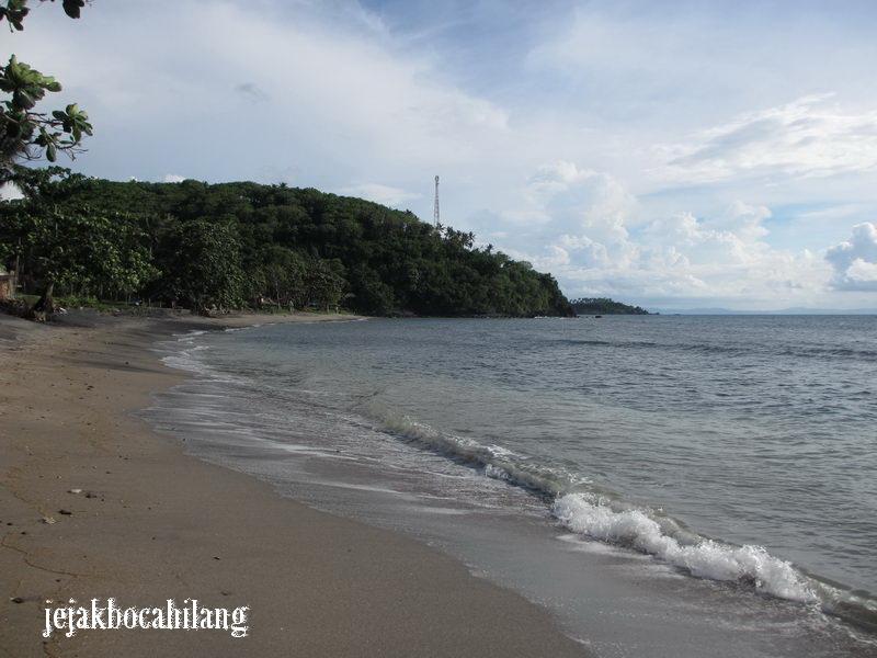 Pantai Krui yang masih sepi