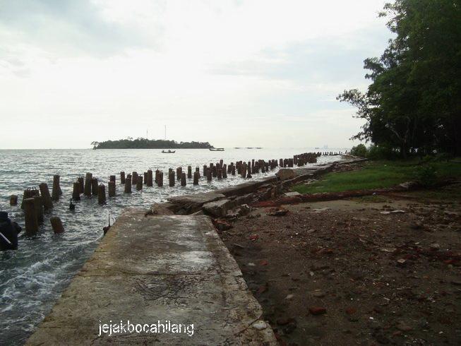 penampakan Pulau Kelor dari Pulau Onrust