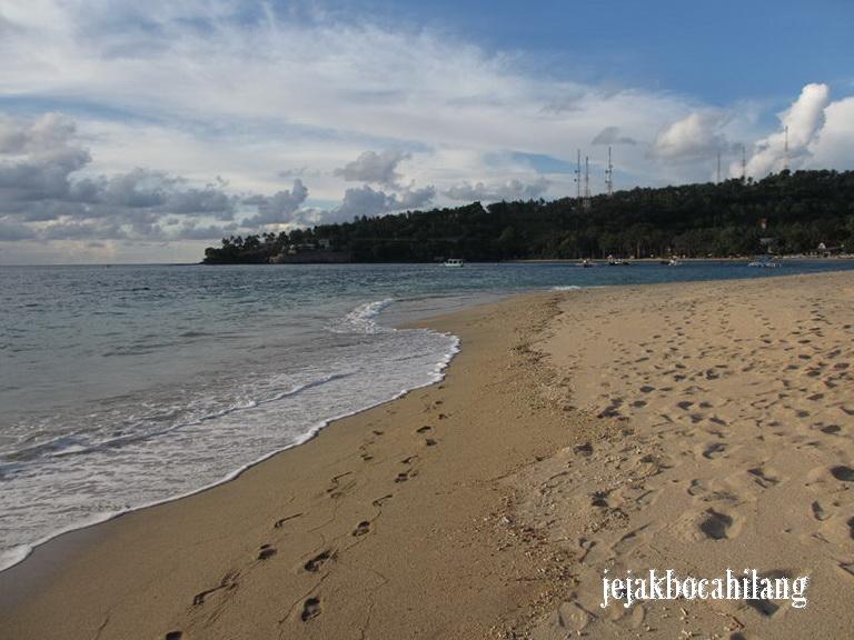 pasir putih Pantai Senggigi