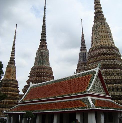 kuil-kuil di Wat Pho