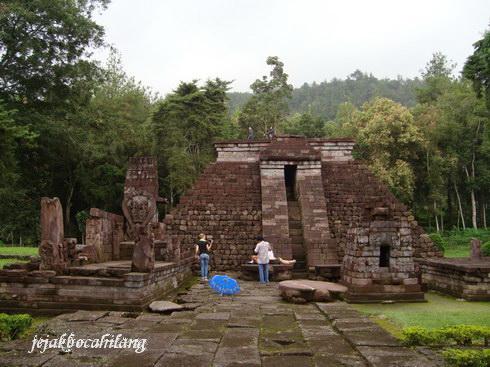 Candi Sukuh yang katanya mirip bentuk piramida Suku Inca