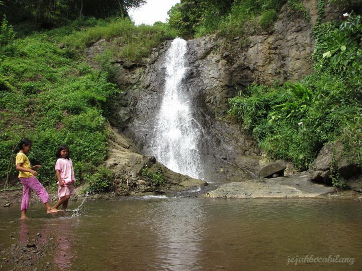 air terjun Banyu Anjlok
