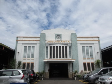 station Tugu - Yogya