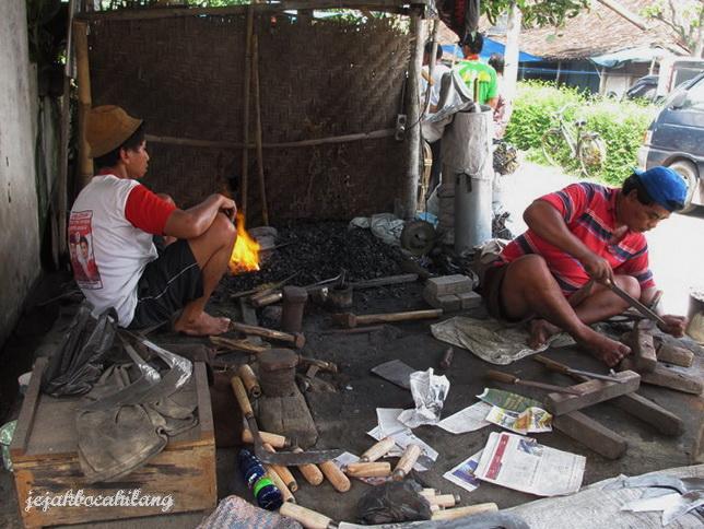 pande besi di Pasar Bekonang