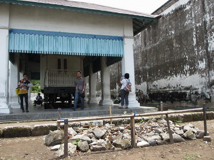 kereta jenazah vs kuburan Kebo Kyai Slamet