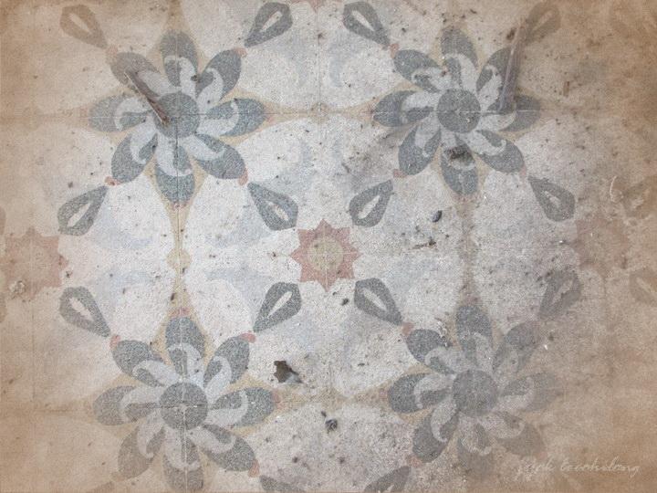 tegel antik