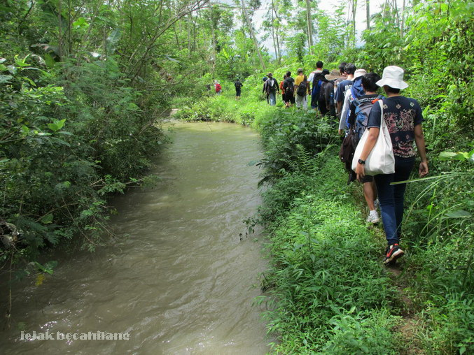 kiri sungai, kanan hutan >> it's the real journey!