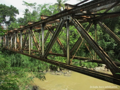 http://jejakbocahilang.files.wordpress.com/2013/06/secang-railway161.jpg