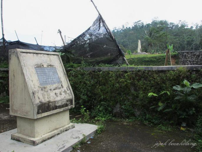 Monumen Pemancar Radio Kambing