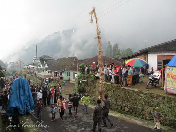 Gunung Andong tertutup kabut