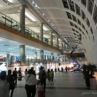 bandara Hong Kong ( HKIA ) yang artistik