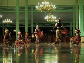 Tari Bedoyo Bedah Madiun - Mangkunegaran Performing Arts
