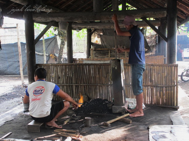 pandai besi di Gawok