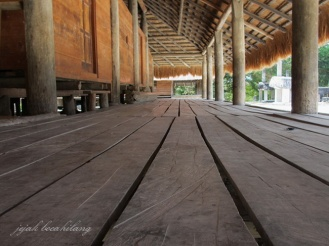 rumah adat Sumba Timur