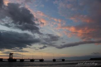 sunset Pantai Waikelo