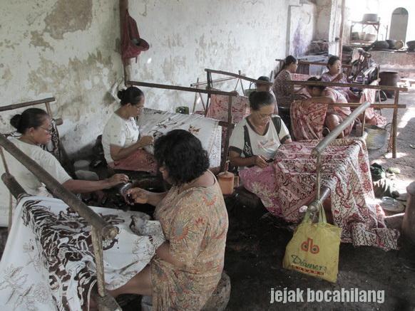 pembatik Batik Lasem
