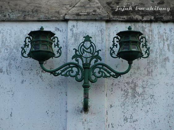 lampu Pura Mangkunegaran