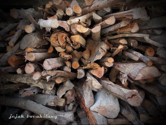 kayu bakar