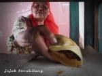 Bu Sri, penjual Leker Gajahan