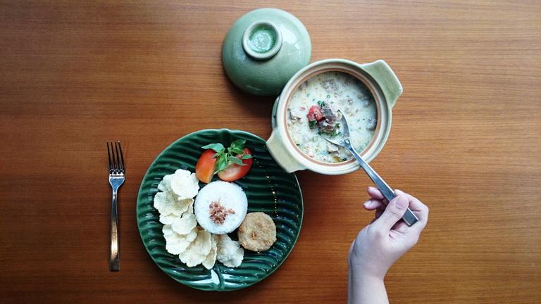 Soto Betawi ( courtesy of Mercure Jakarta Simatupang Hotel )