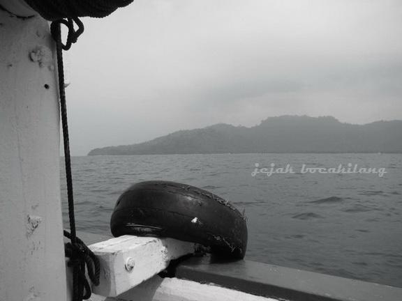 Pulau Sebesi dari kejauhan