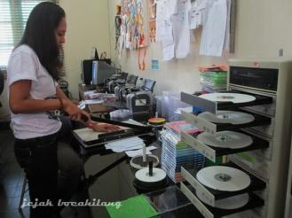 mesin pengganda CD di Lokananta