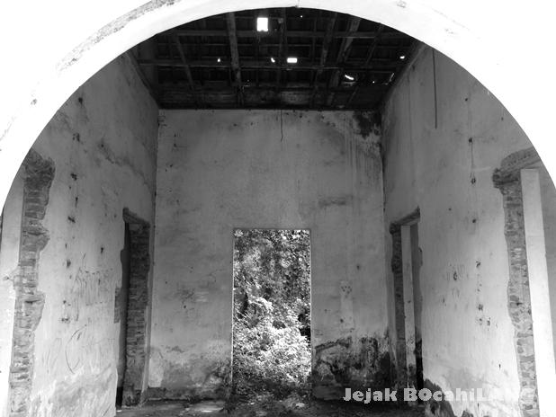 bekas rumah sakit Belanda yang terabaikan