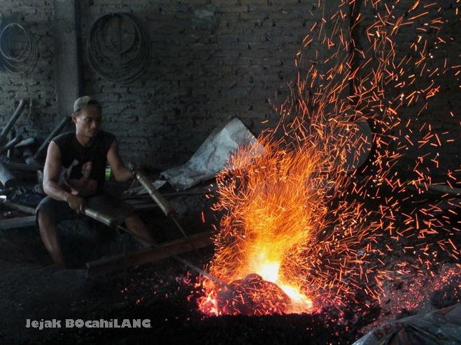 pembuatan bonang - gamelan