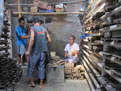 proses pembuatan genteng di Bekonang