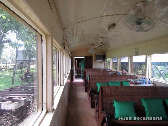 gerbong penumpang Loko Tour