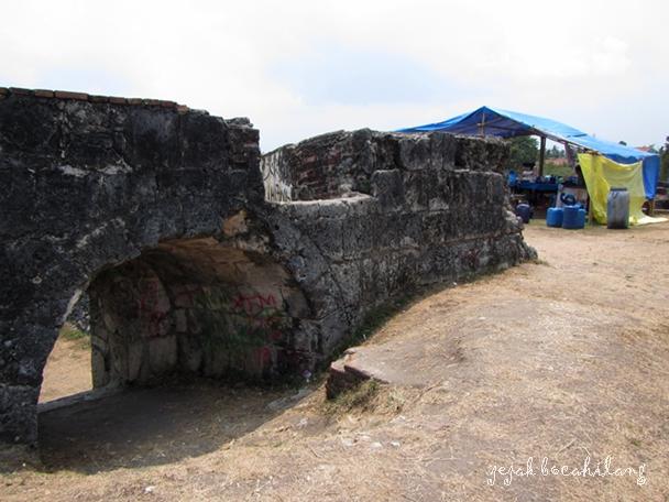 pintu samping Benteng Speelwijk