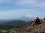 menatap Gunung Merapi dari kejauhan