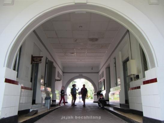 gerbang masuk rumah sakit