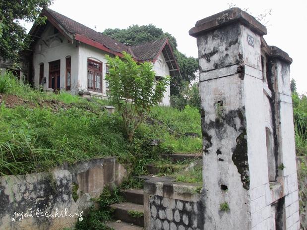 rumah di Jl Patimura -Salatiga yang terabaikan