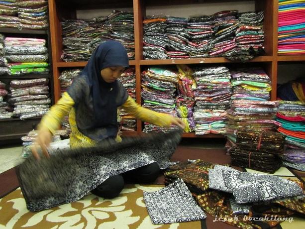 ragam batik di Rumah Batik Larissa - Pesindon