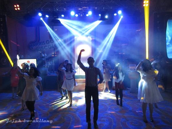 let glow the disco-pop
