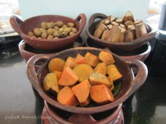 kentang dan ubi bagi yang lagi diet nasi :-)