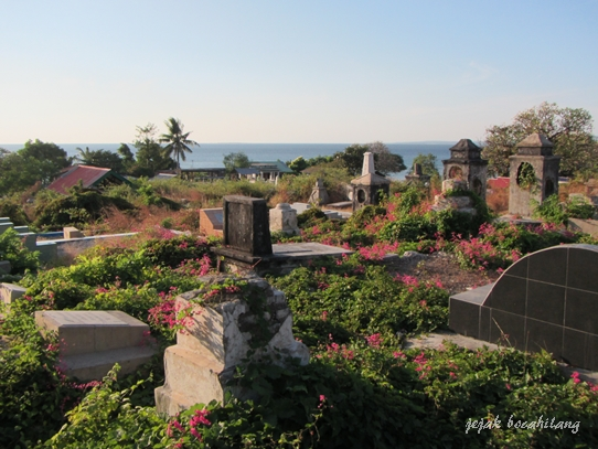 pemandangan Teluk Kupang dari kerkhof Kupang