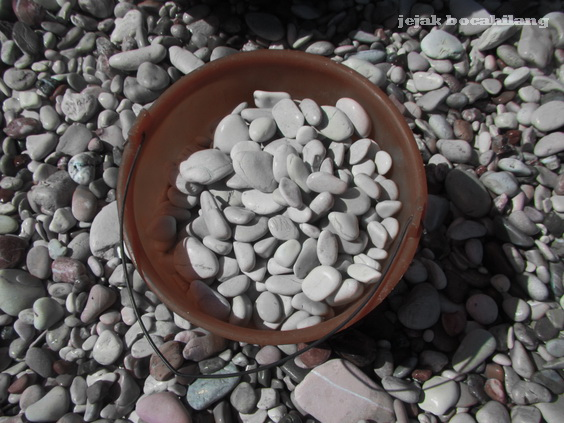 batu Pantai Kolbano