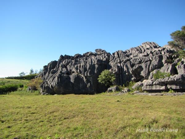 batu karang di Desa Fatumnasi