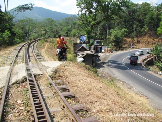 view jalan utama Magelang-Ambarawa